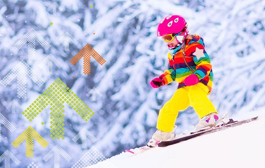 skifahren lernen kind fährt im Pflug