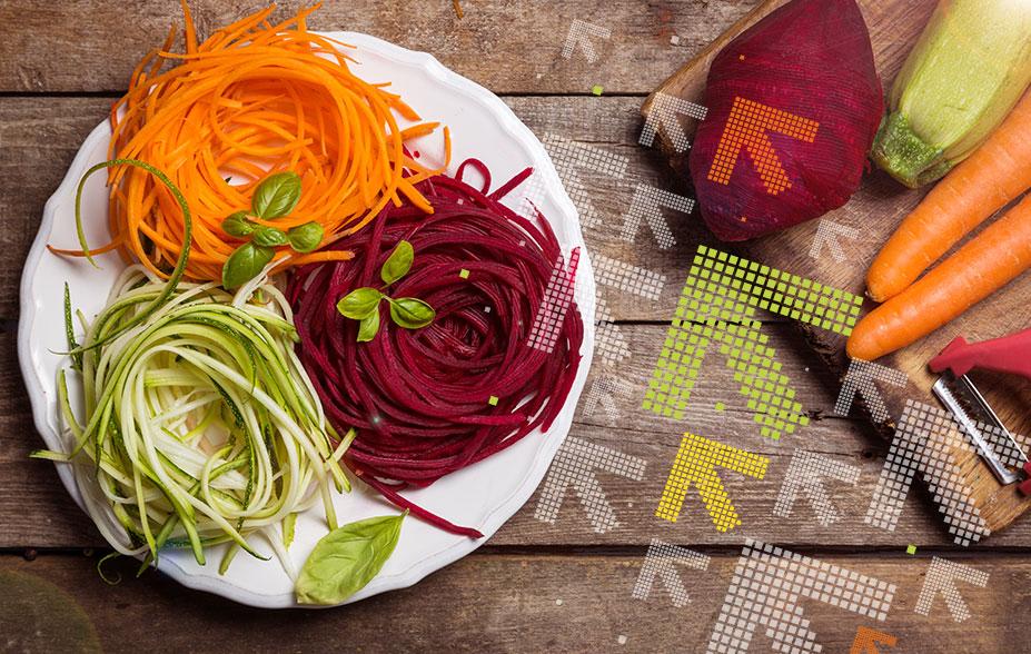 Zoodles aus Karotten, Rote Beete und Zucchini
