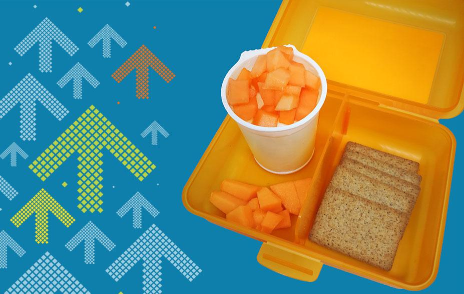 Juli - Ihr saisonales Znüni mit Vollkornkräckern, Melone und Natur-Joghurt