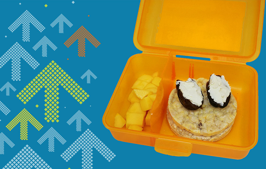 Dezember - Ihr saisonales Znüni mit Reiswaffeln, Datteln mit Frischkäse und Mango